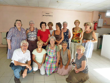 Far du Poitou, Chaudrée Saintongeaise, accompagnée d'un excellent Muscadet, Panna Cotta Martienne. Un régal ! Ce premier cours, dans une ambiance très conviviale, nous a apporté le plaisir de cuisiner