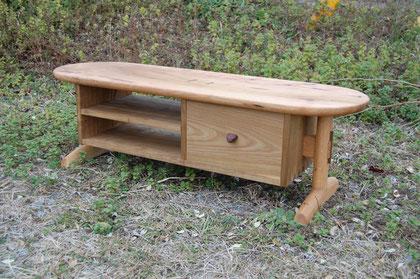 木のテレビ台