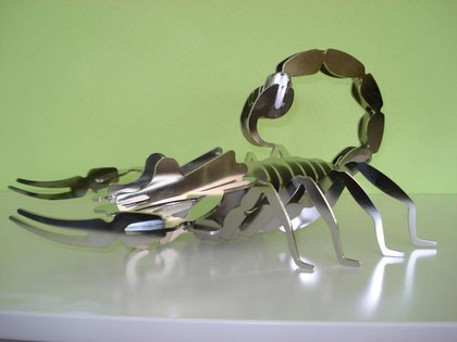 Skorpion aus Chromstahl elektropoliert