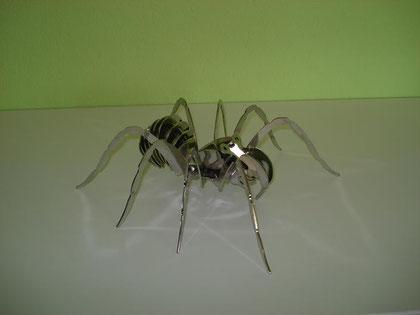 Spinne aus Chromstahl elektropoliert