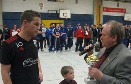 Daniel Hoven mit der Auszeichnung - bester Torschütze