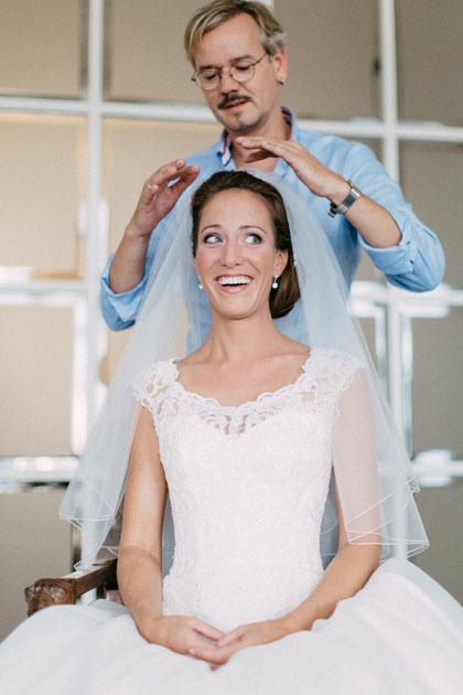 Brautfrisur Brautstyling Brautmakeup