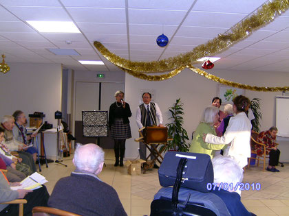 Maisons de retraite, orgue de barbarie, magie, ventriloquie