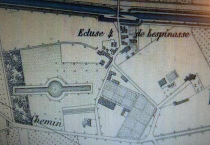 Gravure imprimée  vers 1850 ou 1860 (gravé et imprimé par Régnier et Dourdet 8 passage Ste Marie ( rue du Bac) à PARIS) du village de Lespinasse avec mise en évidence du grand bassin disparu.