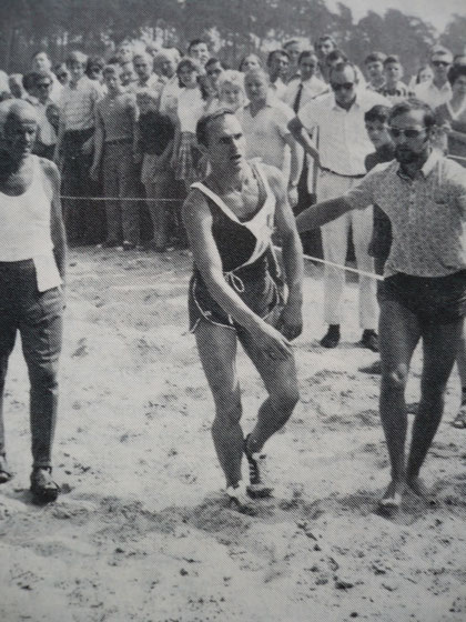 1970 Warendorf: An exhausted Boris Onischenko (URS) struggles to a bronze medal