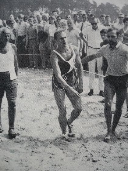 1970 Warendorf: An exhausted Boris Onischenko (URS) struggles to a bronze medal