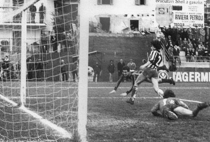 80': Manitto segna il gol del 2-0 in tuffo