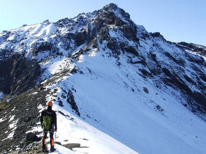 acercamiento final para ''atacar'' la cumbre de La Picada fot. a.núñez