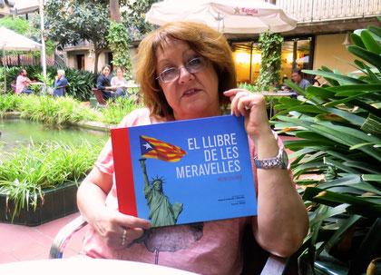 Patricia Gabancho, Ateneu 28 de setembre, cerveseta al pati-oasis, xerradeta postelectoral sobre el monotema i molt bon rotllo.