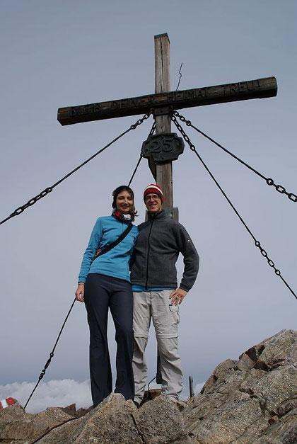Mit meiner hübschen Begleitung am Gipfel