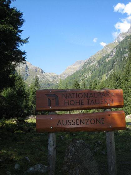 Am Weg durch das Wangenitztal erreicht man die Nationalparkgrenze