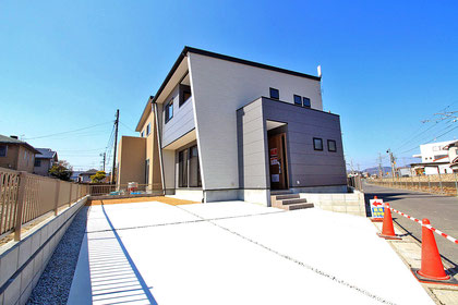 建築 施工例 岡山市東区の分譲住宅外観