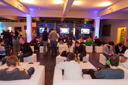 Der Abschluss von Sonys deutscher Tour und der letzte Vita-Event vor der Launch-Feier am 21. Februar in Berlin: Gemütlich-geselliger Probezock im Münchener 'Kutchiin' von Holger Stromberg.