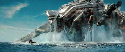 """High-Tech-Koloss: Hollywood macht aus dem Brettspielklassiker """"Schiffeversenken"""" einen SciFi-Film im """"Transformers""""-Stil. Activision liefert April das passende Spiel dazu."""