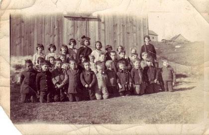Eleves de l'école 1923-24
