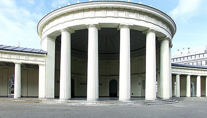 Am 2. Mai 1827 wurde der Elisenbrunnen in Aachen eingeweiht.