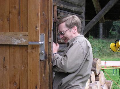 Gerhard kann nicht nur mit Geld, sondern auch mit Werkzeug umgehen :-)