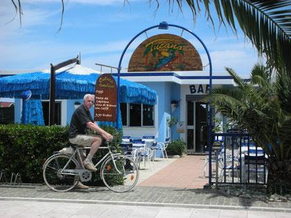 Chef ganz Privat, seit 1983 steht hier immer das eigene Bici bereit - Photo: Vera Fenner