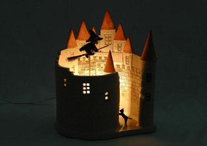 ヨーロッパのお城と魔法使いの灯り作品