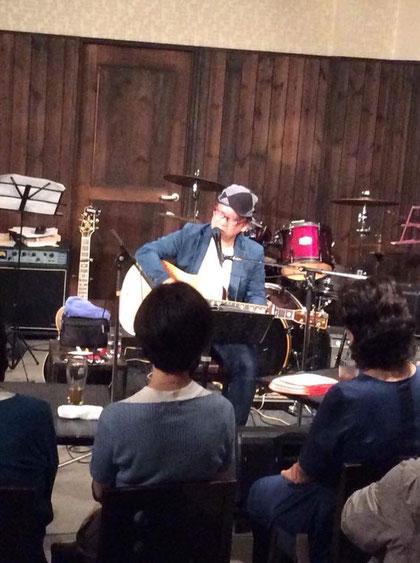 10/12 松山市カラフルでのサスケ&きくち寛ライブ