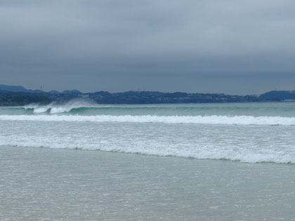 少し波が大きくなっている
