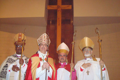Arzobispo Metropolitano Mark Haverland y nuevos Obispos