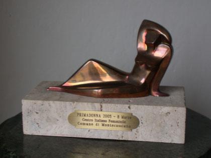 Premio Prima Donna  - Comune di Montecassiano , per impegno in Bioarchitettura,   8 Marzo 2005