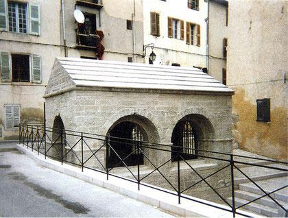 fontaine-pierre-taille-lorgues-apres-restauration-var-83-monument