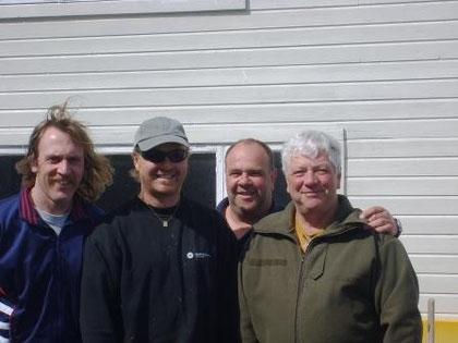 Bernhard, Ian, Rudi und ich dahinter