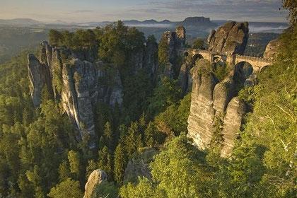 Les montagnes de grès de la vallée de l'Elbe