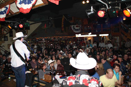 Opening for Tracy Byrd in Untermeitingen, Germany on March 14, 2009
