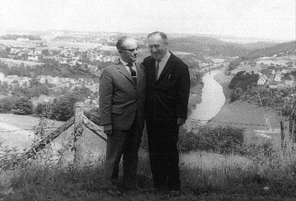 Ludwig Hansel (links) mit Walter Strauß, einem entfernten Verwandten von Rosa - Ort der Aufnahme ist unbekannt.