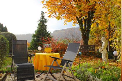 Südterrasse im Herbst