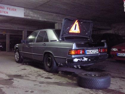 Reifenwechsel in der Tiefgarage
