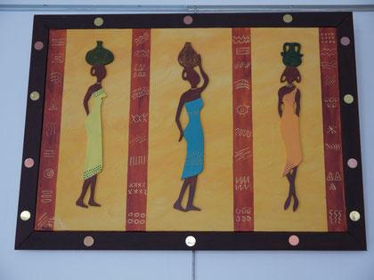 LES 3 AFRICAINES - Réf. N° 3  -  Réalisation: Home  Déco - R.T - 70x50 - PRIX: 85 euros