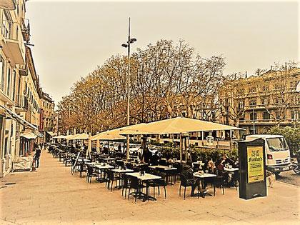 Das Café Paris an der Rambla in Figueres, in dem sich Hendrik mit Dr. Bosch traf (Bearbeitete Aufnahme aus:  http://olu-limburg.de)