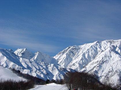 The mountainous backdrop at Happo-Oné