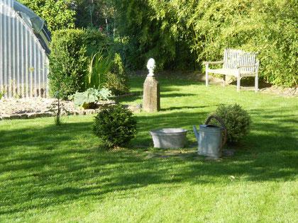 """Une autre vue du """"Jardin du Clos"""" a VILLIERS-HERBISSE le 24 juin 2012"""