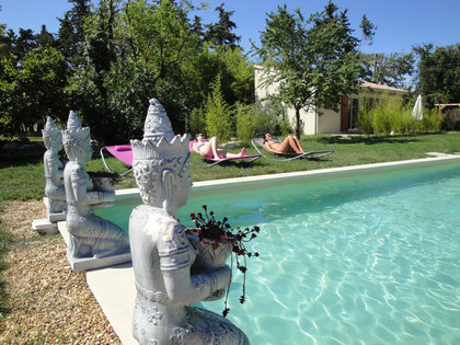 une piscine en Provence