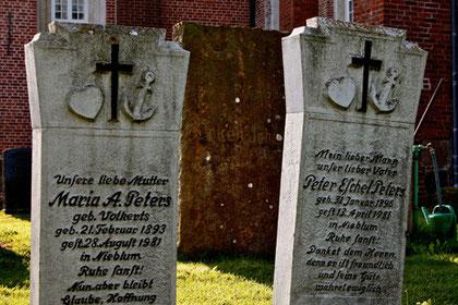 """""""Glaube, Hoffnung, Liebe"""", Friedhof Nieblum auf Föhr"""