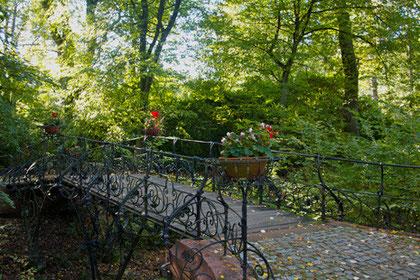 Cordesallee am Südteich, Parkfriedhof Ohlsdorf, Hamburg