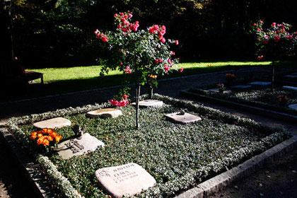 Die Rosengrabstätte, Parkfriedhof Ohlsdorf, Hamburg