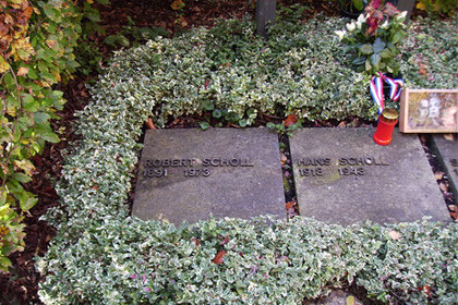 Scholl, Robert (1891-1973)
