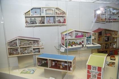 Lundby-Puppenhäuser aus der Sammlung Karin Schrey
