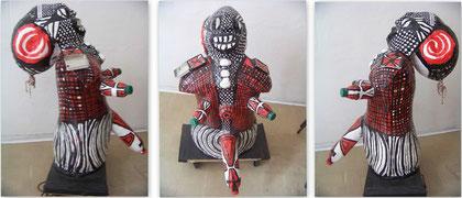 Die kleinkarierte Mächtigkeit, 2010, Pappcaché, Abfall 95x60x78