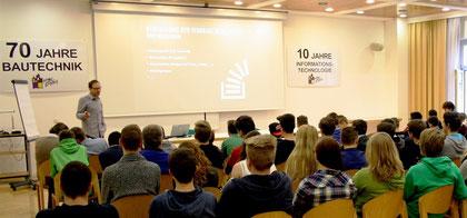 Kremser SchülerInnen setzten sich in verschiedenen Workshops mit Fragen des Klima- und Energieschutzes auseinander. Foto: zVg