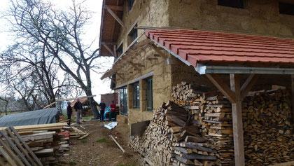 La nouvelle maison, construction en terre et bois