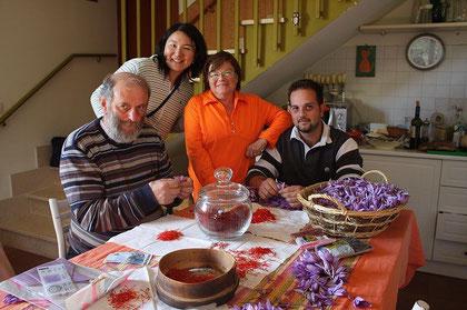 去年の秋に、シルバーナ宅を訪れた際の写真。サフランの盛りでした。