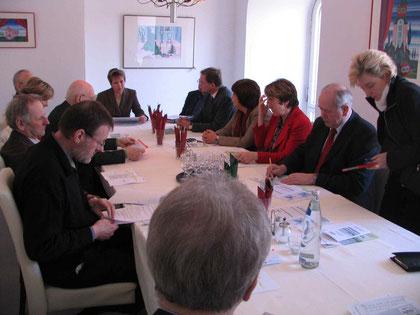 v.l.n.r. Gerd Schlüter,Rolf Köser (beide BI-Bü), Werner Klein, Ingrid Meyer-Schmeling, Manfred Kleine-Tebbe (alle BI-AL), Sabine Klie (BI-Bü), Reinhard Elfring (BI-AL), Jochen Witt (BI-Bü), Petra Tiemann (MdL-SPD), Brigitte Somfleth, Rolf Meyer, Carola Sa