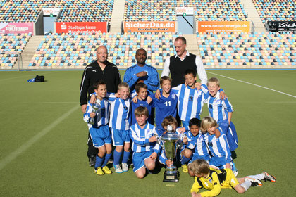 PSV/FC Eindhoven gewinnt den 1. GLADBAU SUPER CUP 2012